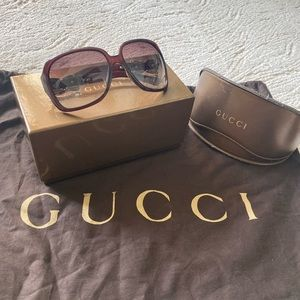 Authentic vintage Gucci bow sunglasses